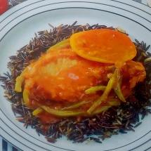 Receta chuletas de puerco con tomate y albahaca