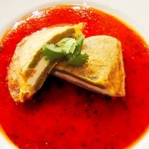 Receta de Nopales rellenos con salsa pasilla
